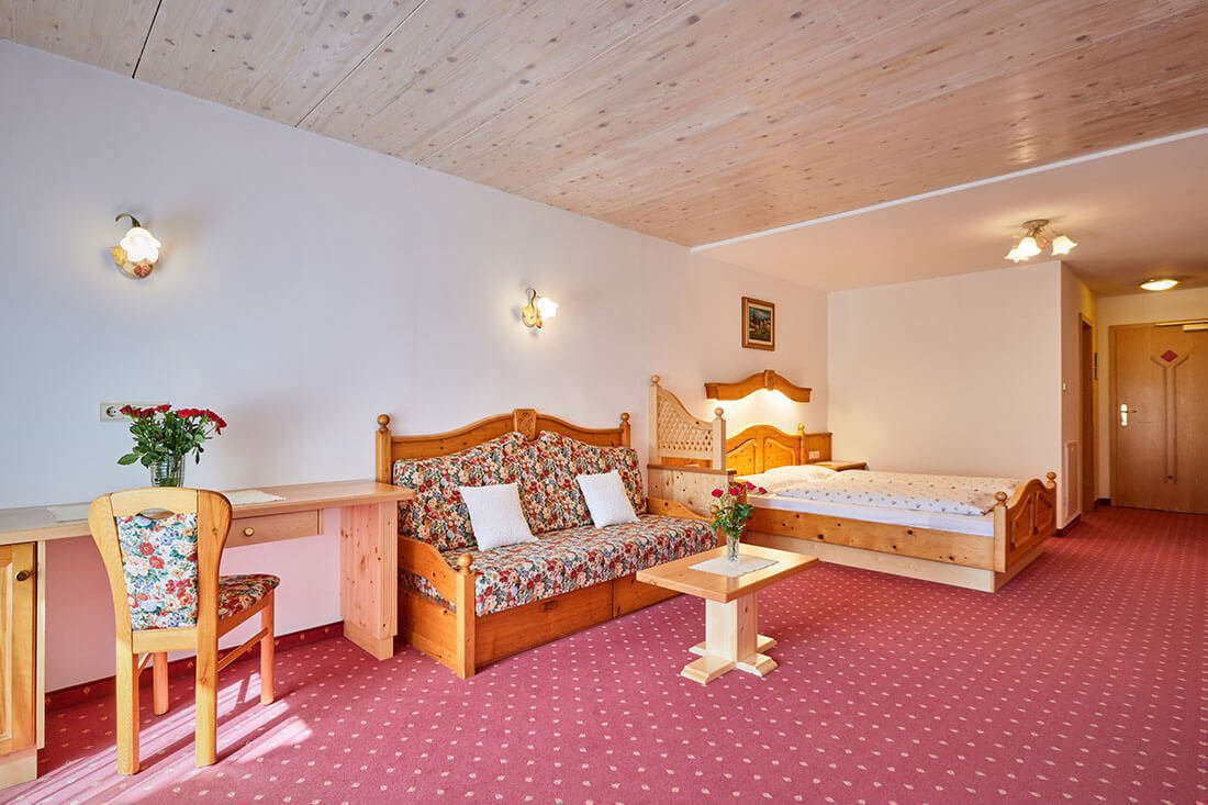 double-room-suite-schoenwald-in-south-tyrol-07